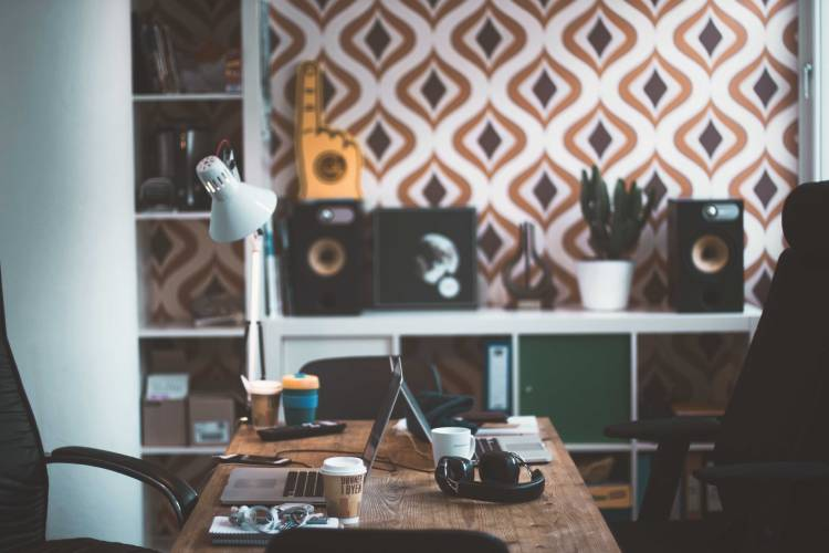10 important questions before you take a telecommuting job    To guide future telecommuters out there, I've listed down important questions I wish I would have known before I agreed to work from home.