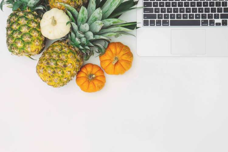 """3 guilt-free snacks to munch on while working from home    Working from home means that food will only be just an arm's distance away. It entails so much discipline and effort to stay on your current weight when the only """"commute"""" you do on a daily basis is to walk from your bedroom to your home office. I know how it feels!"""